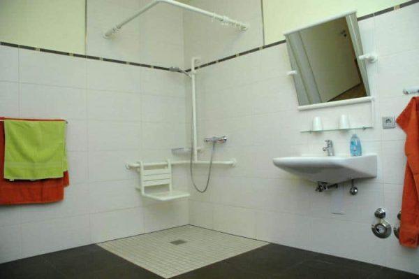 Haus Drachenflieger aangepaste badkamer