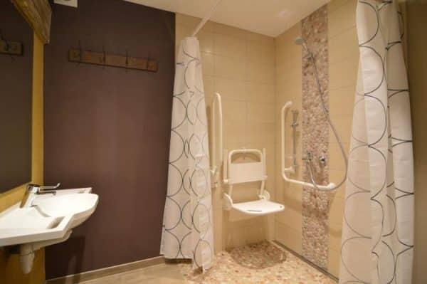 Petit Cheval Blanc aangepaste badkamer