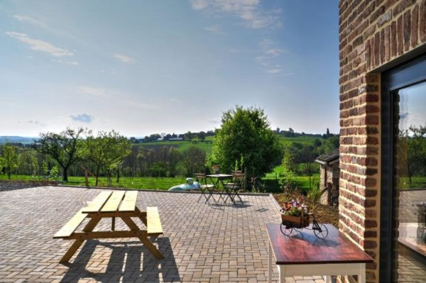 Petit Cheval Blanc terras en uitzicht