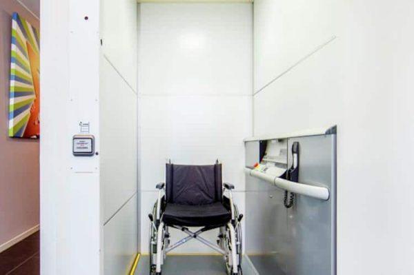 Slachtehiem - Nederland - Friesland - 16 personen - rolstoel lift