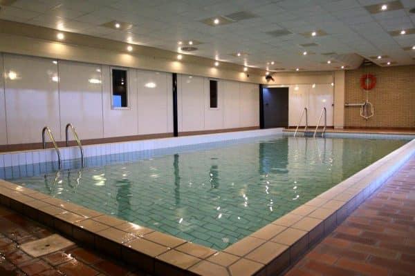 Vakantiehuis Elsloo FR027 binnenzwembad