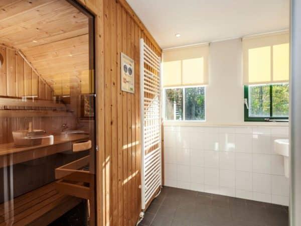 Landal Coldenhove Extra toegankelijke bungalow 8LT1 - 8 personen - Gelderland - sauna in badkamer