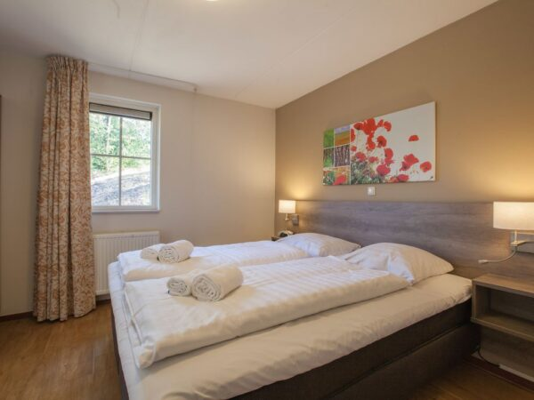 Landal Coldenhove Extra toegankelijke bungalow type 6LT - 6 personen - Veluwe - Nederland - slaapkamer