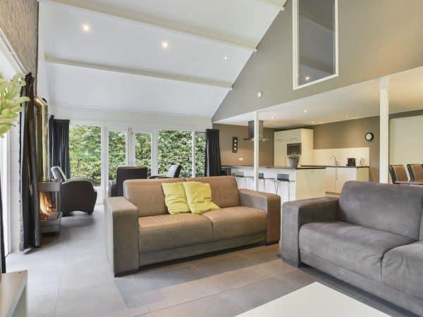 Landal De Bloemert Extra toegankelijke bungalow 12CT - 12 personen - Drenthe - Nederland - woonkamer