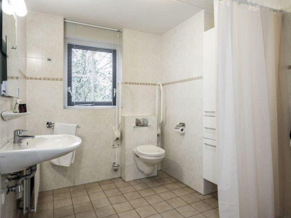 Landal Het Land van Bartje Extra toegankelijke bungalow 6CT6 - 6 personen - Drenthe - Nederland - aangepast toilet