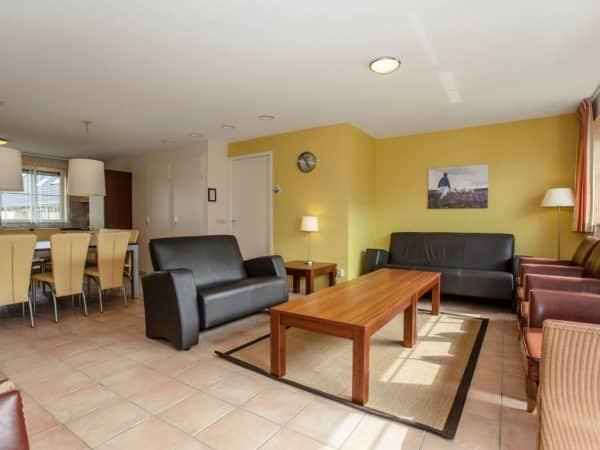 Landal Orveltermarke Extra toegankelijke bungalow 12BT - 12 personen - Drenthe - Nederland - woonkamer