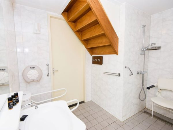Landal Reevallis Extra toegankelijke bungalow 4CET - 4 personen - Limburg - aangepaste badkamer