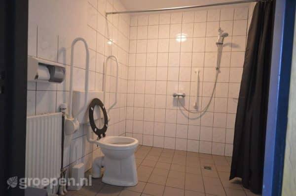 Vierhuizen 34 personen - aangepaste badkamer
