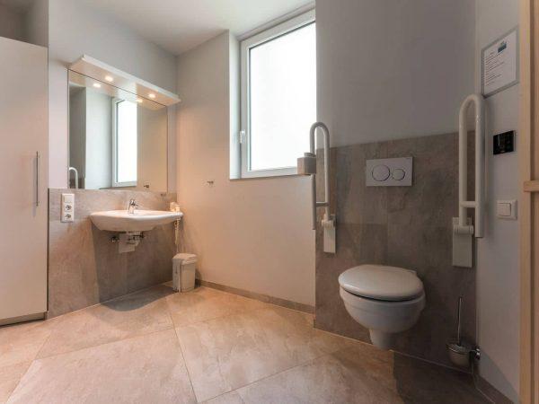 Landal Travemünde Extra toegankelijke bungalow 4-6LT - 6 personen - Oostzee - Duitsland - aangepast toilet